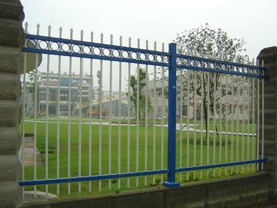竹栅栏 栅栏[竹、木、铁条等制阻拦物] 栅栏[竹、木、铁条等制阻拦物]-释