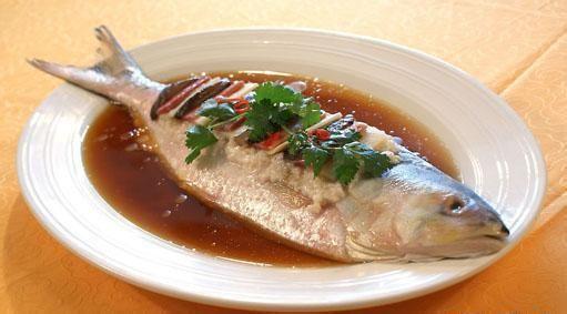 银鳕鱼的烹饪技巧 要怎么烹饪才能吃到鱼的精华
