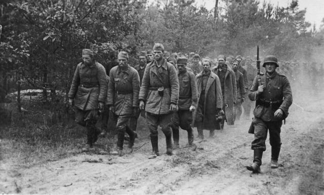 苏联二战中最大耻辱 百万苏军为何调转枪口与祖国为敌?