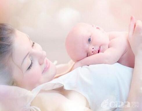 新手妈妈须知:如何判断宝宝是否吃饱了?如何提高母乳产量?
