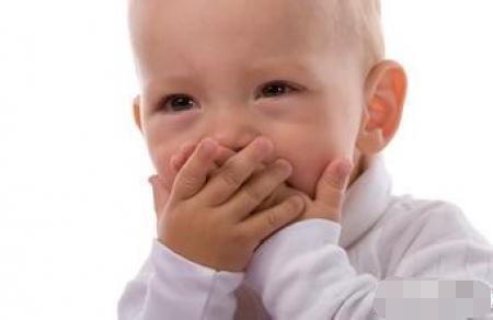 医生怒了:宝宝嘴巴这样你都没注意到,你还配做妈妈吗