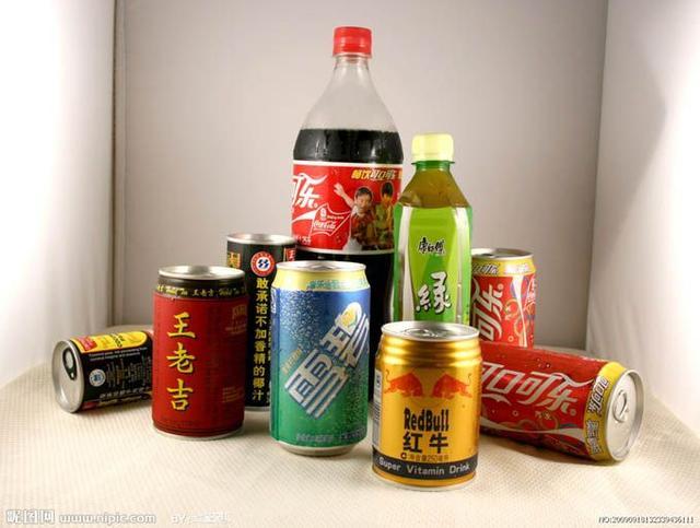 浙江一女子每天喝十几种奶茶一大瓶雪碧椰子汁,结果只能坐着睡了